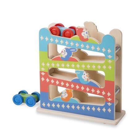 První hraní - Dřevěná rampa s autíčky - 1