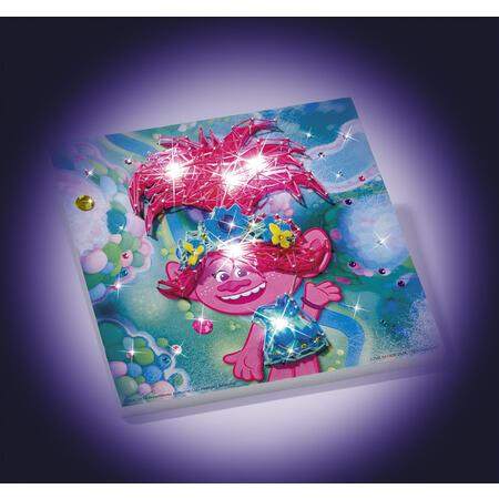 Trollové  - vyrob si svítící obrázek - 1