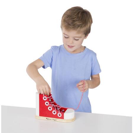 Dřevěná bota - Zavazování tkaničky - 3